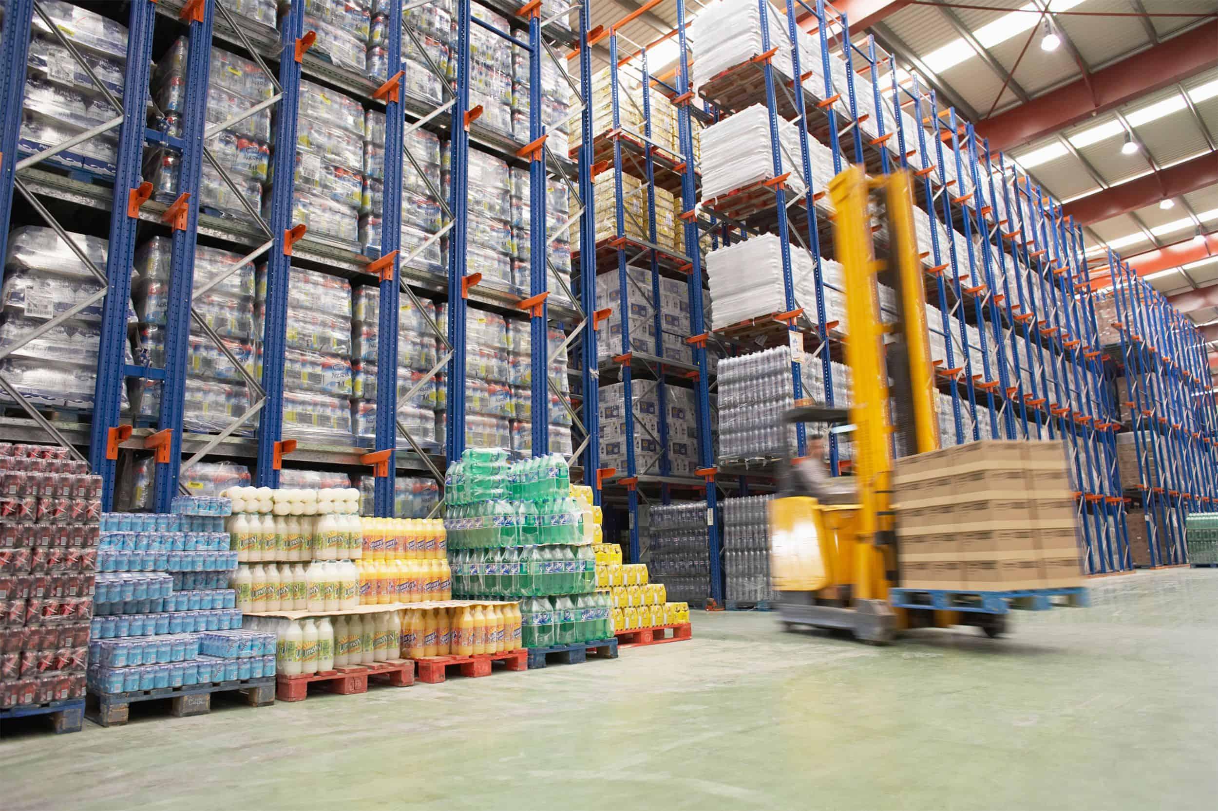 https://transnautic.b-cdn.net/wp-content/uploads/2015/09/Warehouse-and-lifter.jpg